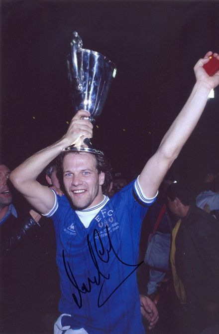 Andy Gray, Everton & Scotland, signed 12x8 inch photo.